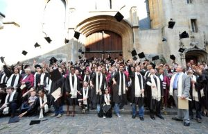 jeunes-diplomes-pessimistes-sur-leur-avenir-en-france